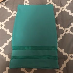 H&M turquoise/aqua colored skirt